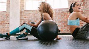 seguir motivado entre gente fitness