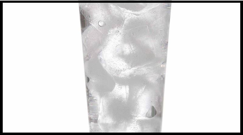 un vaso de agua fría antes de cada comida para adelgazar