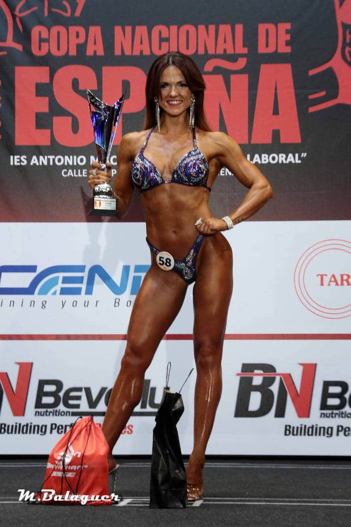 Elia rivera competidora